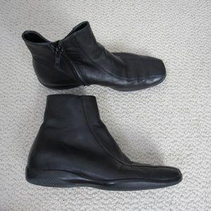 Prada Boots Womens Sz 5 Black Leather Side Zipper
